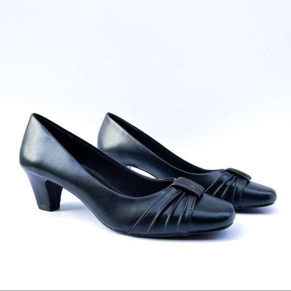 Comfort Plus by Predictions Black Heels Size 6